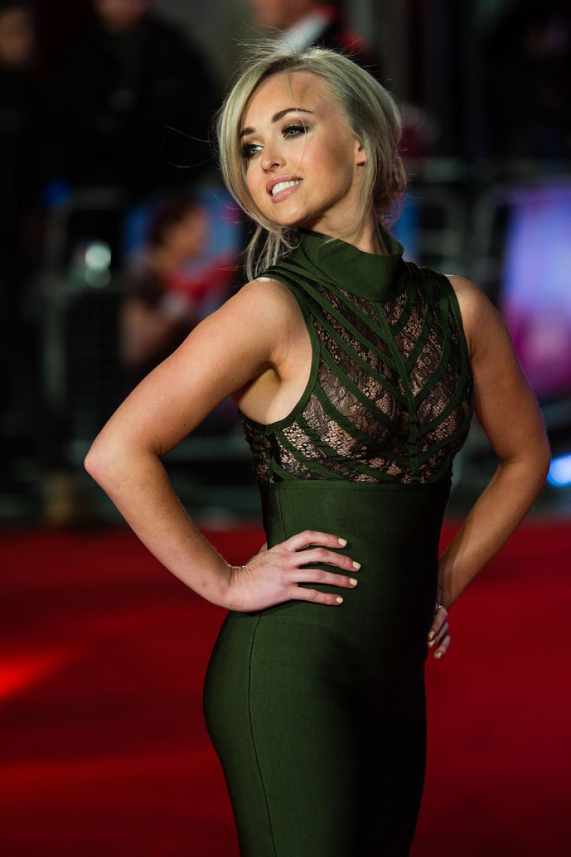 "Le Meilleur Jorgie Porter At Uk Film Premiere Of ""Daddy's Home"" In Ce Mois Ci"