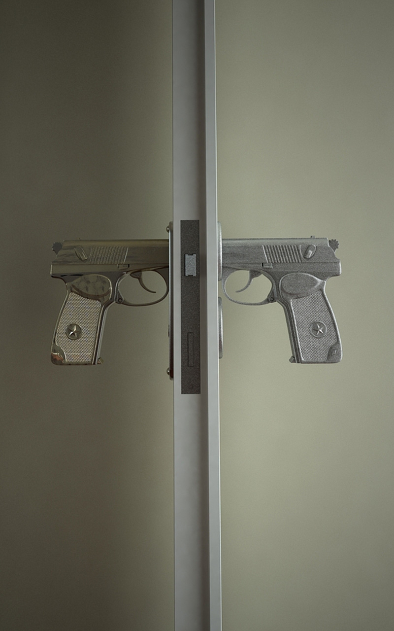 Le Meilleur Gun Shaped Doorknobs Function Like A Real Pistol Pulling Ce Mois Ci