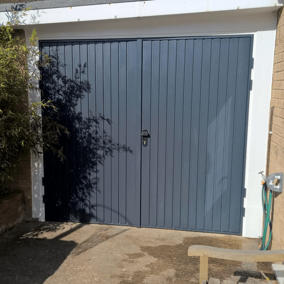 Le Meilleur Side Hinged Garage Door In Southmoor Oxfordshire Elite Gd Ce Mois Ci