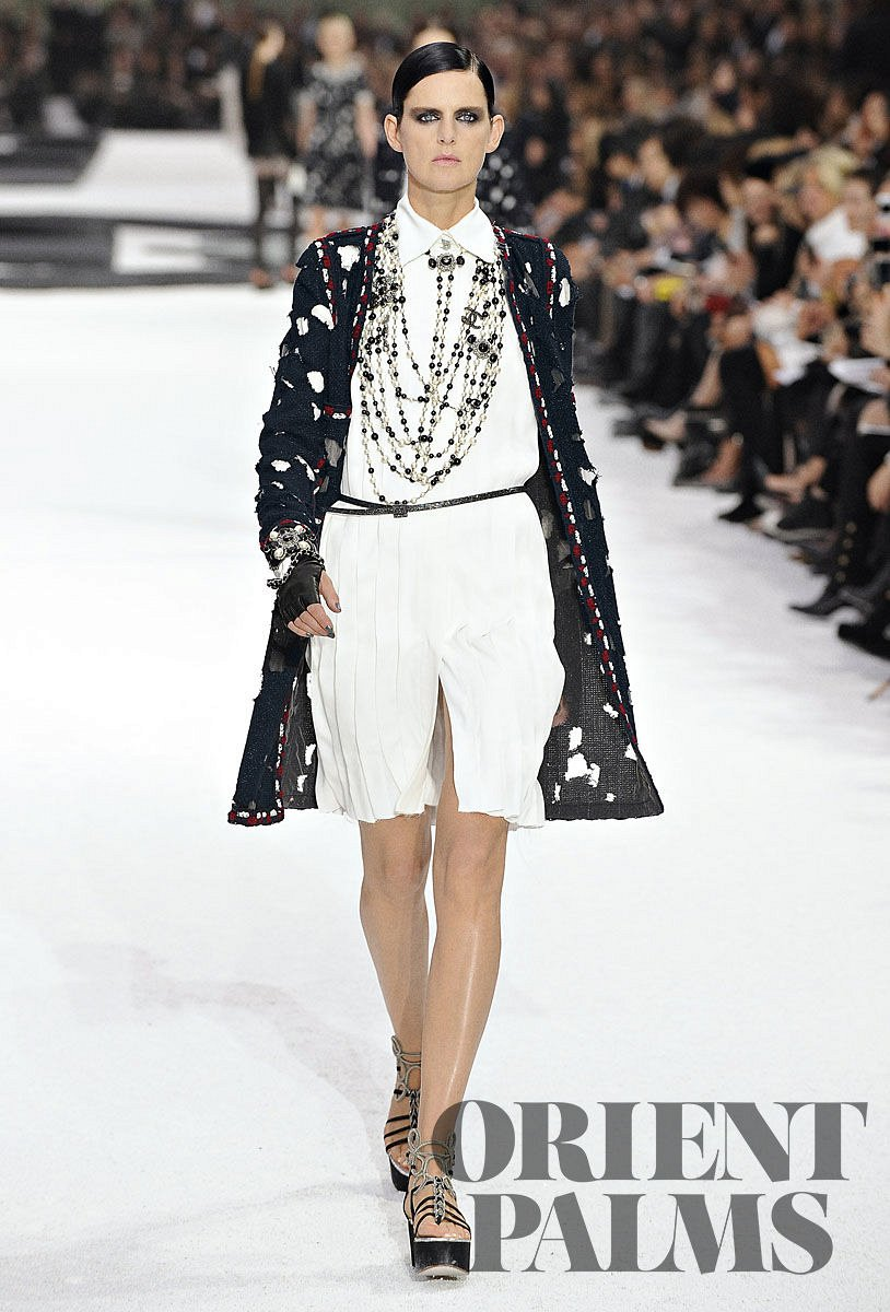 Le Meilleur Chanel Spring Summer 2011 Ready To Wear Ce Mois Ci