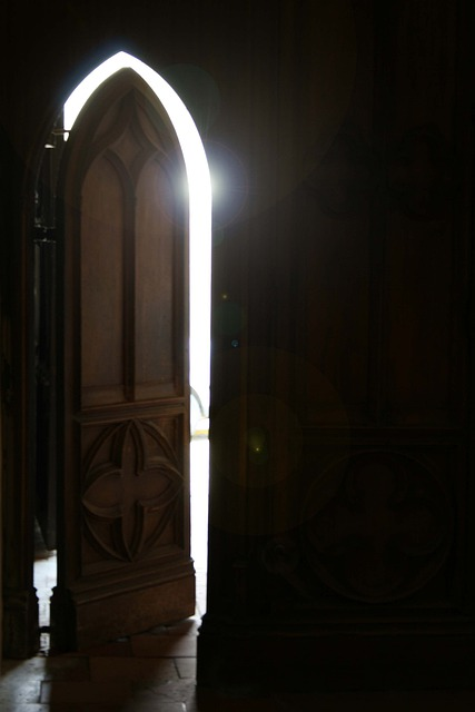 Le Meilleur Free Photo Church Door Reflection Light Free Image On Ce Mois Ci