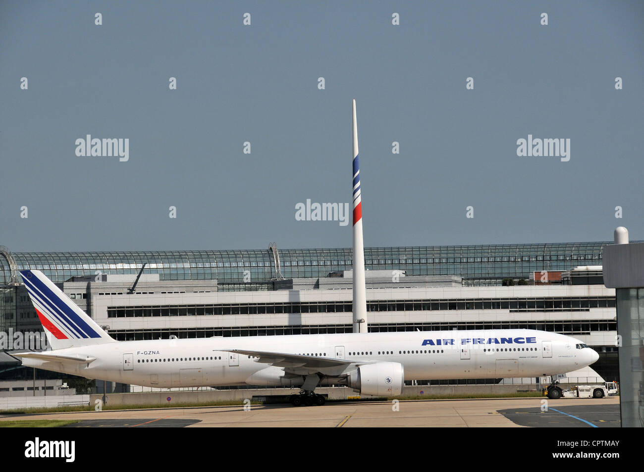 Le Meilleur Boeing 777 Before The Headquarters Building Of Air France Ce Mois Ci