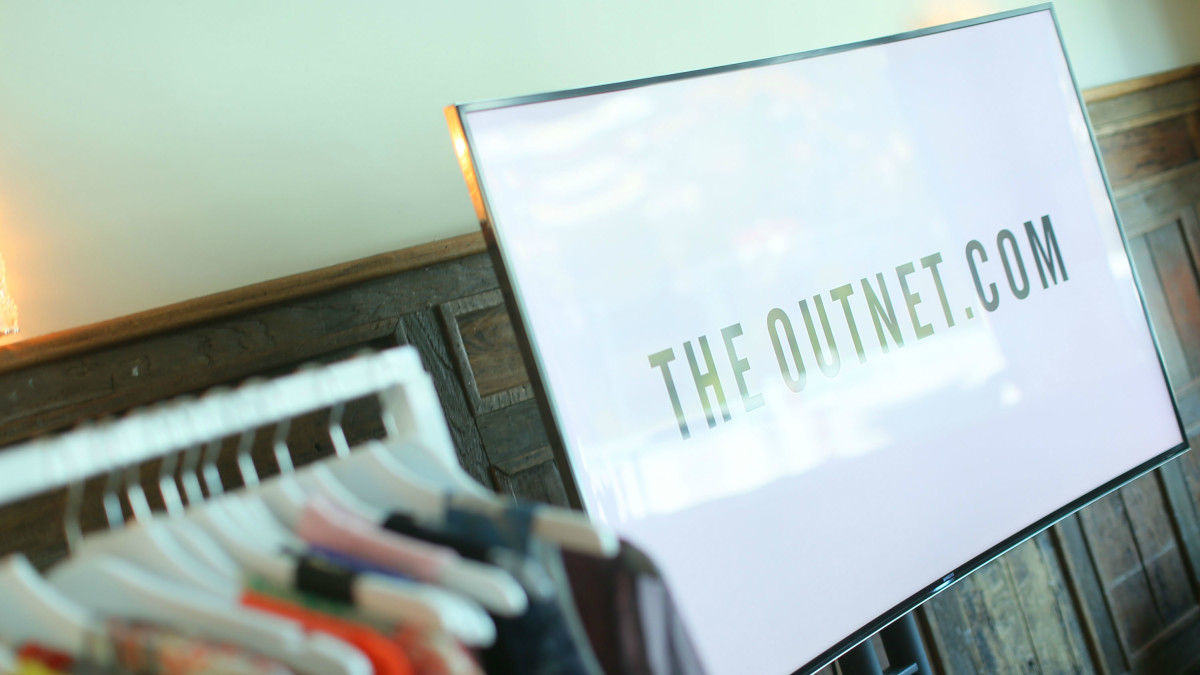 Le Meilleur Yoox Net A Porter Group Says Goodbye To Two More Execs Ce Mois Ci