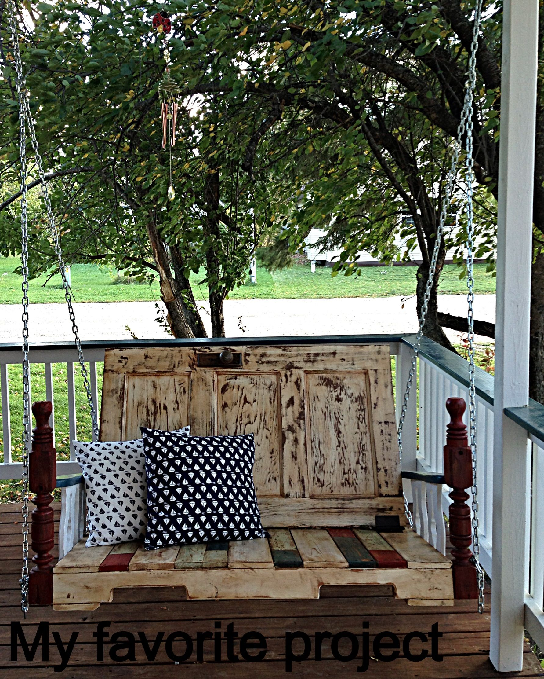 Le Meilleur Porch Swing I Made From A Pallet Headboard Door And Ce Mois Ci