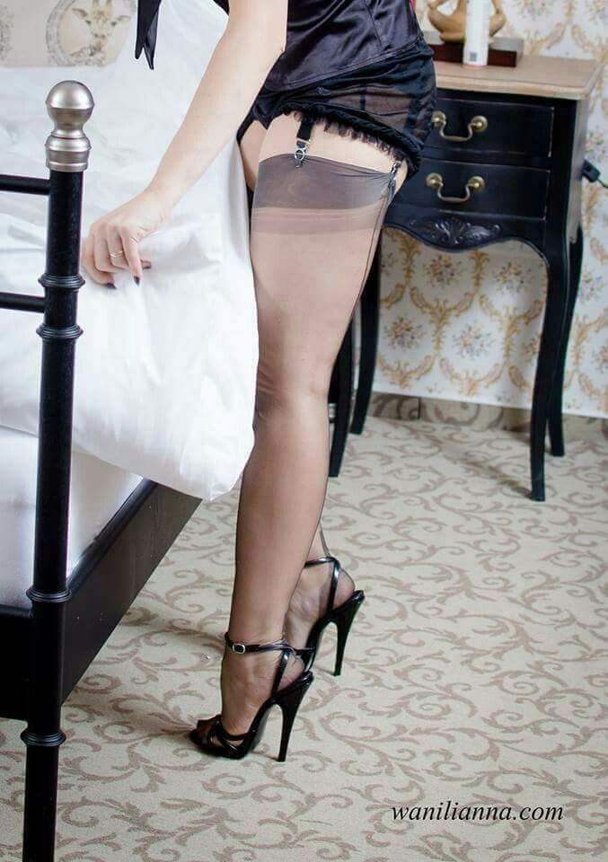 Le Meilleur Pin On High Heels Stockings Garter Belts L*Ng*R** Ce Mois Ci
