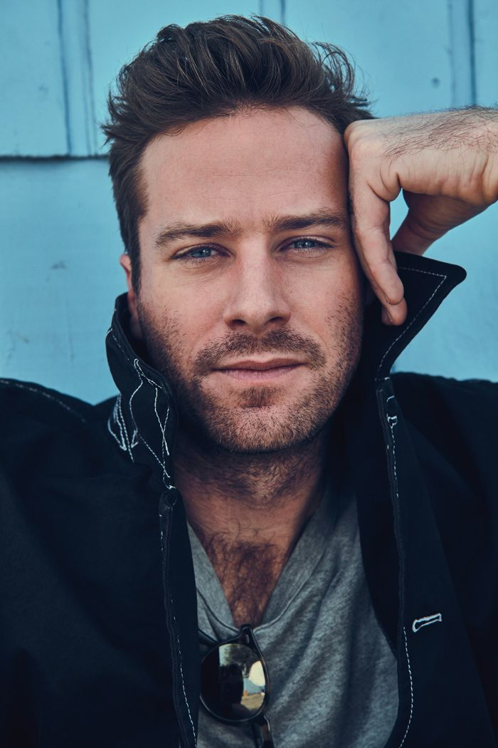 Le Meilleur Call Me By Your Name Star Armie Hammer For Mr Porter's Ce Mois Ci