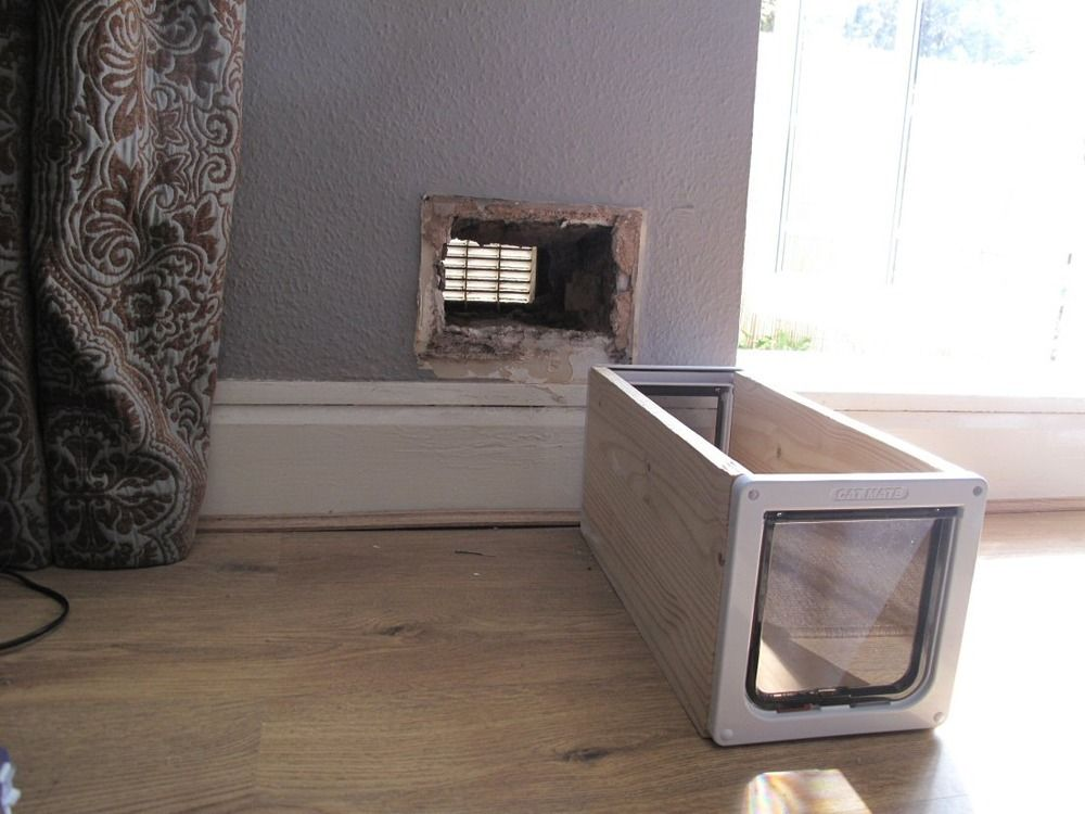 Le Meilleur How To Make A Cat Flap In A Wall Cat Door Cats Cat Ce Mois Ci