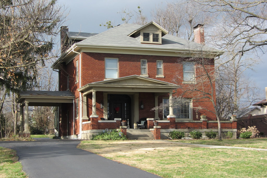 Le Meilleur Red Brick House With Porte Cochere Maple Ave Red Brick Ce Mois Ci