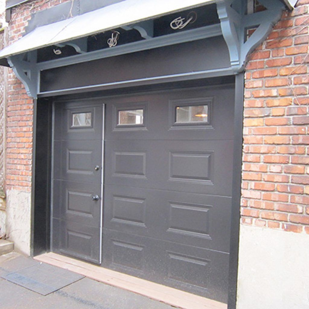 Le Meilleur Pedestrian Door Specialized Door Within A Garage Door Ce Mois Ci
