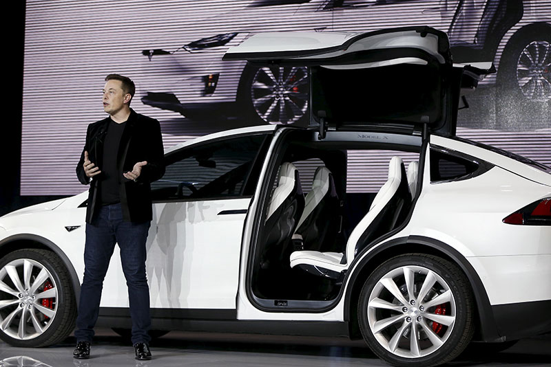 Le Meilleur Forget Tesla S Model 3 Model Y Crossover Will Make Or Ce Mois Ci