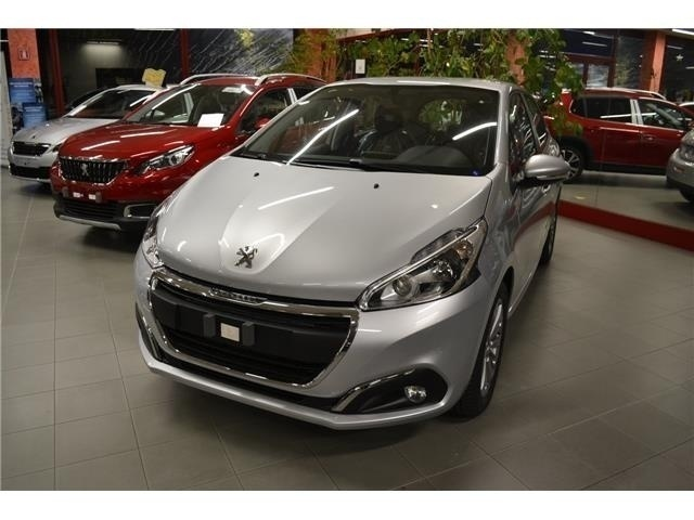 Le Meilleur Sold Peugeot 208 1 2 Puretech 82Cv Used Cars For Sale Ce Mois Ci