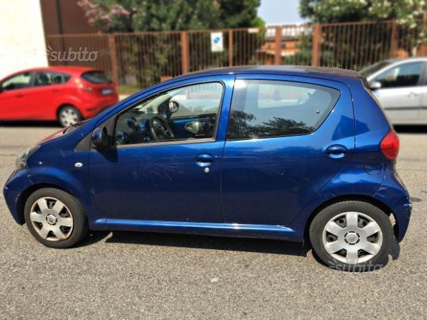 Le Meilleur Sold Toyota Aygo 5 Porte Blu 2007 Used Cars For Sale Ce Mois Ci