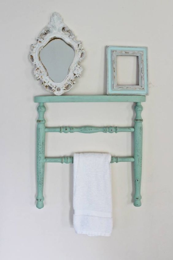Le Meilleur Chair Towel Rack Made Out Of A Antique Chair Legs With A Ce Mois Ci