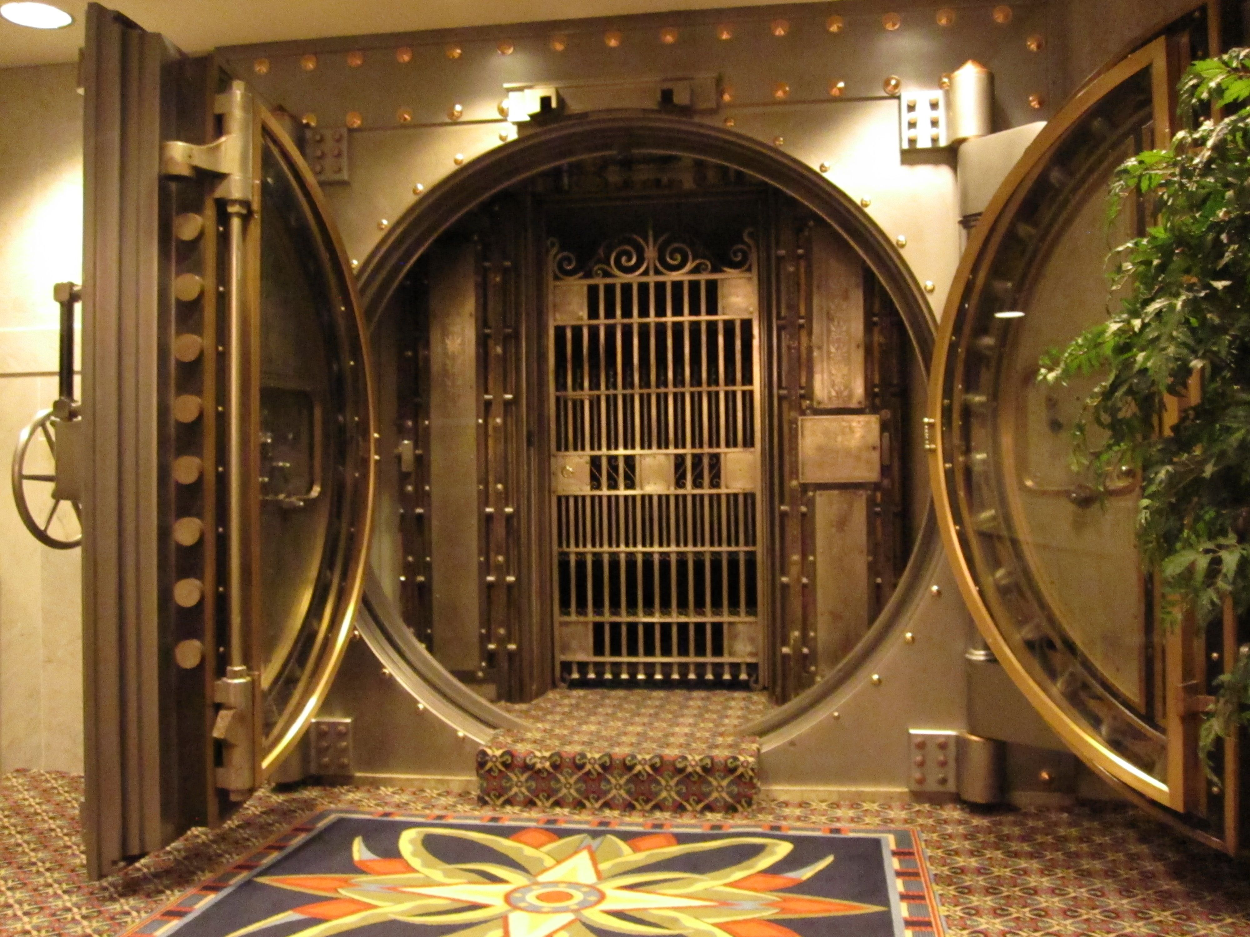 Le Meilleur Bank Vault Bank Vault Security Pinterest Banks Ce Mois Ci