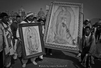 Día de la Virgen by: Lázaro Sandoval M.