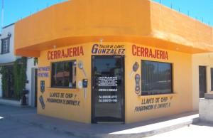 foto-cerrajeria-300x194 A final goodbye for Señor Cerrajero