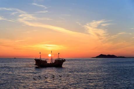 pirate-boat So long September! Rocky Point Weekend Rundown!