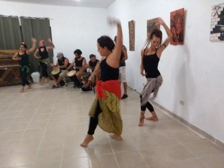Danzas-africanas-rifa-de-pinturas-FuerzaMéxico