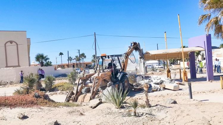 demo-las-conchas-gate-guard-03-1200x675 Demolition of guard shack at entry to Las Conchas aims to guarantee free transit
