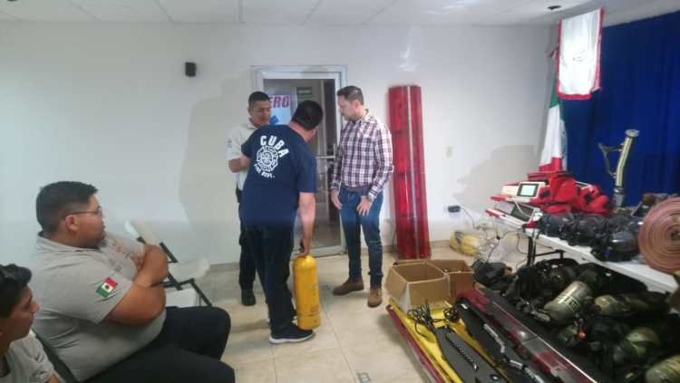 bomberos-donacion-CubaNM-equipo2019-2-1200x677 Equipment donations help strengthen local Fire Department