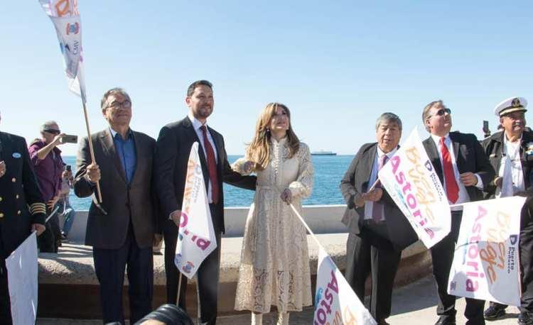 "astoria-banderazo-1 Astoria ""Treasures of the Sea of Cortez"" sails over expectations"