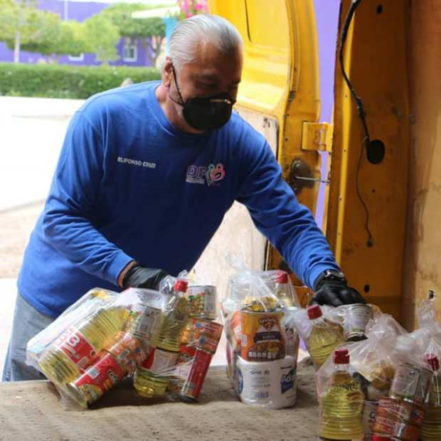 dif-despensa-2 The (Food) Helpers in Puerto Peñasco Part 2 of ... Covid-19 Column