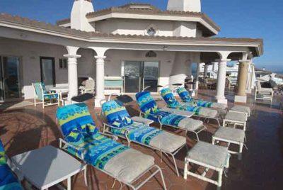 lounge_chairs