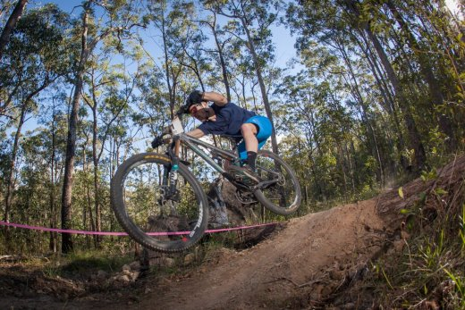 Jon Odams on track to win the 2014 elite men's race in Kempsey. Photo: OuterImage.com.au