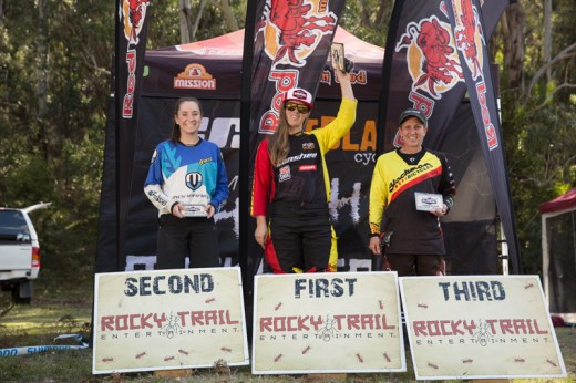 Elite Women's series podium (l-r): Kellie Weinert, Ronja Hill-Wright, Joanne Fox.