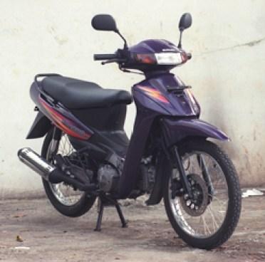 Suzuki_Shogun_1997-1999