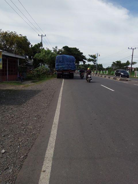 truk-parkir