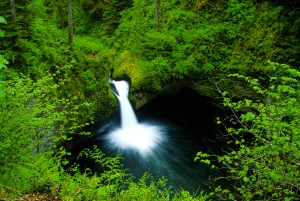 Punchbowl Falls waterfall Oregon