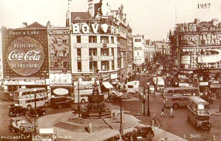 Piccadilly Circus 11
