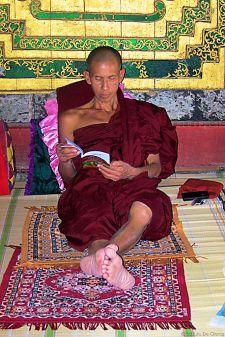 Shwe Yaungwhe Kyaung (9)