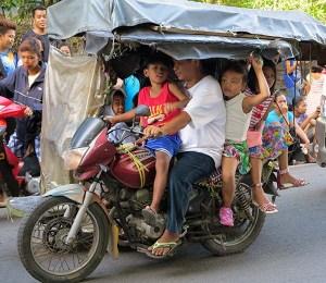 Family transport Filipino