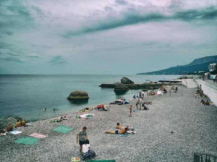 Фото зелёного пляжа Форос2