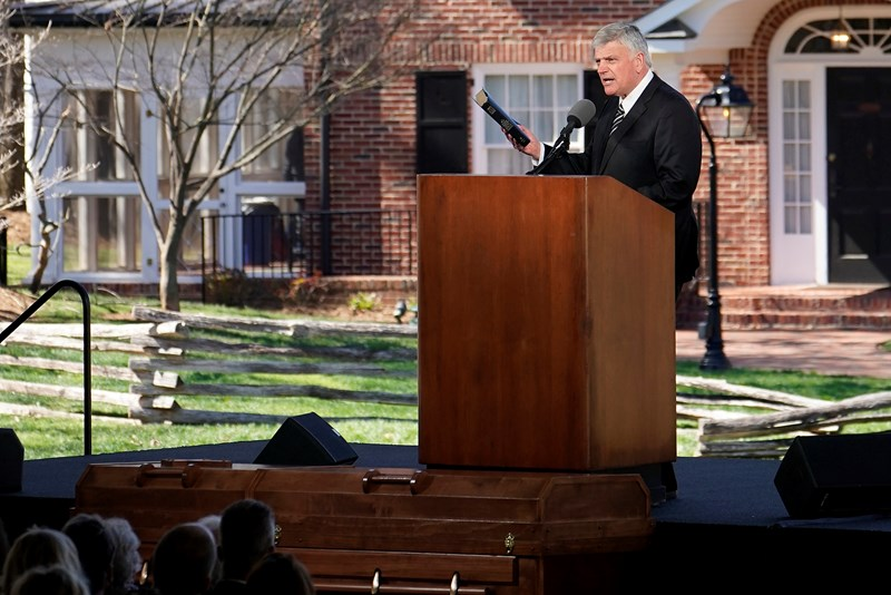 Billy Graham Funeral Capped By Gospel Invitation