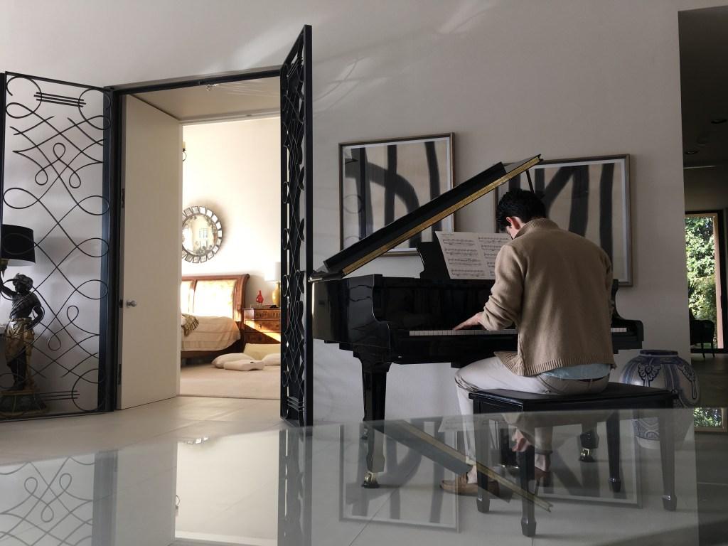 rodney-ingram-grand-piano
