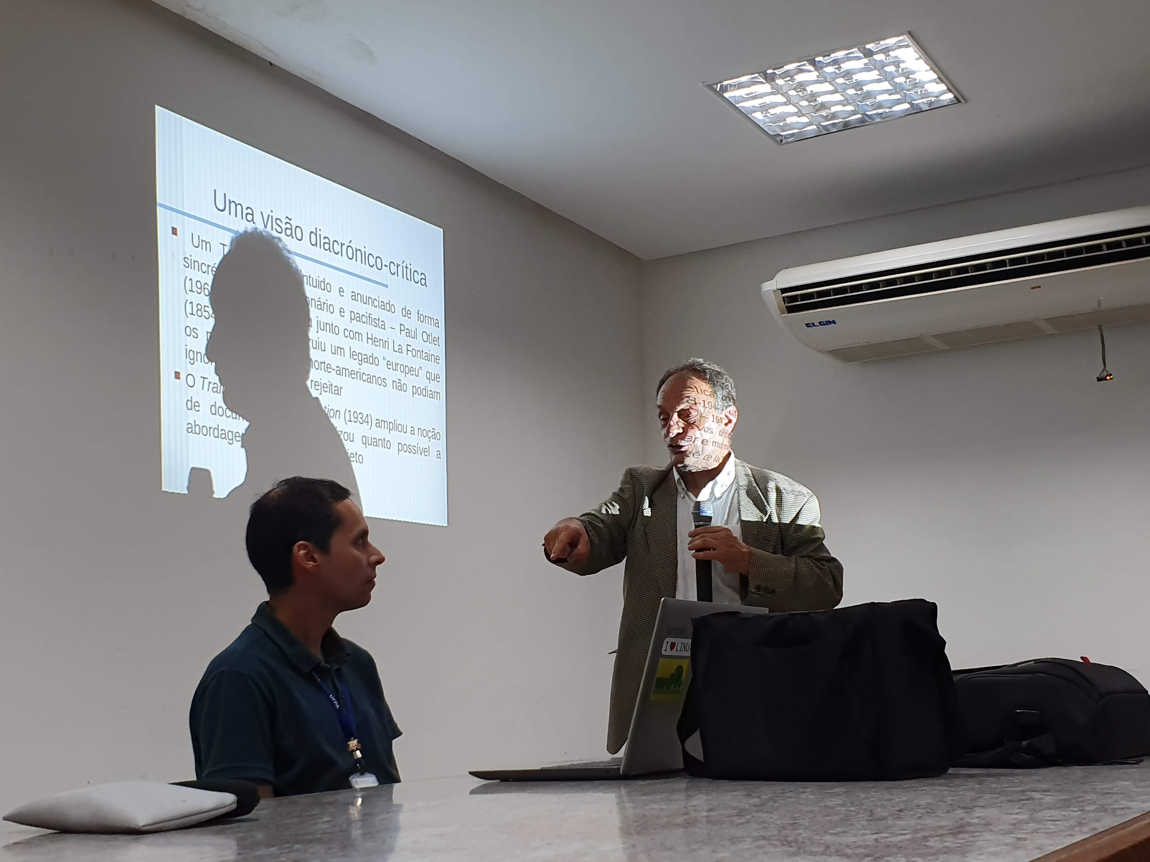 Palestra do Prof. Dr. Armando Manuel Barreiros Malheiro da Silva