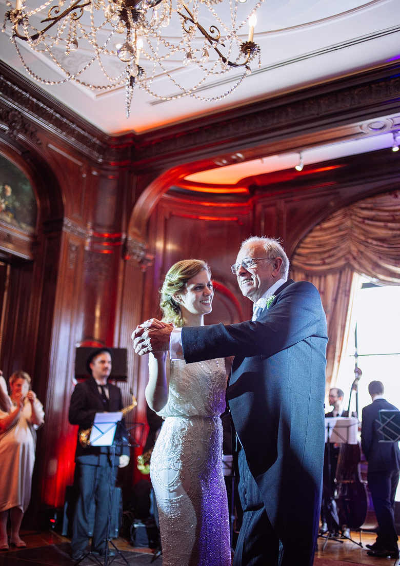 First dance in wedding in La Mansion