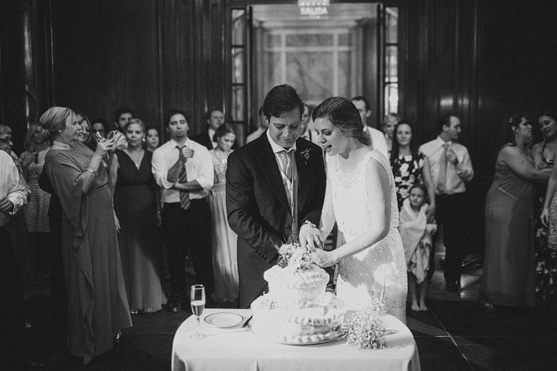 Corte de toras de casamiento en el Four Seasons Hotel Buenos Aires