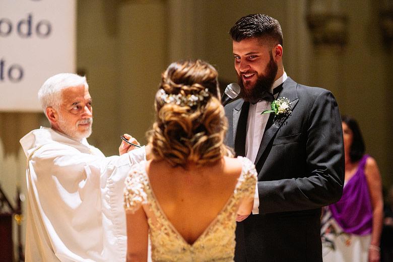 Casamiento emotivo en la catedral de san isidro