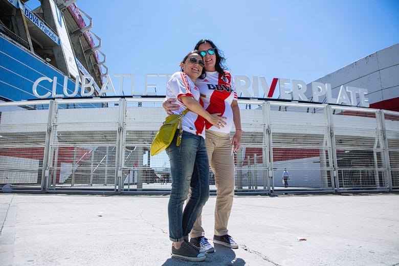 sesion de fotos de embarazo en River Plate