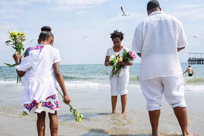 rituales en la playa coney island