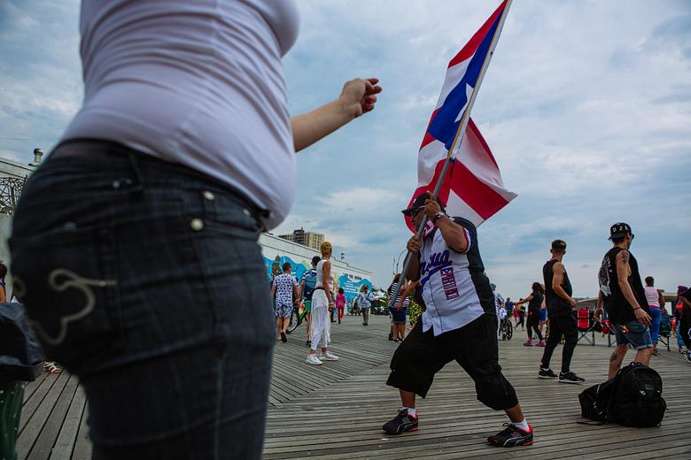 boricuas en coney island nueva york