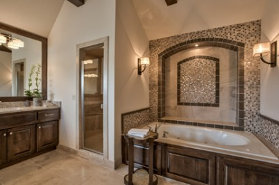 Chesa peake II master bath with tiled wall