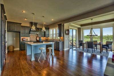 Roanoke kitchen and breakfast area
