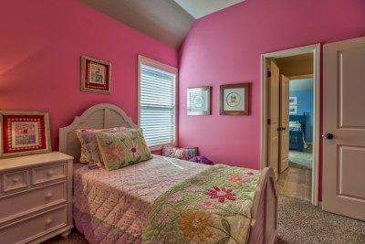 Weston III secondary bedroom with pink walls
