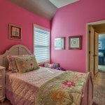 Weston III secondary bedroom with pink walls