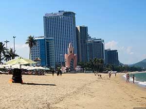 Городской пляж курорта Нячанг